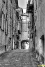 rue et porche
